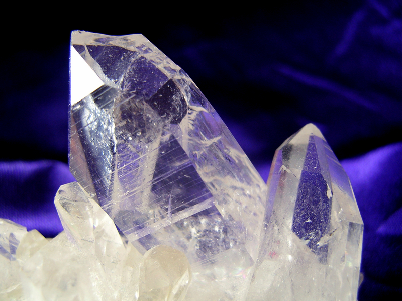 CRYSTALS AND STONES A comprehensive guide to Crystal Properties and Stone Meanings